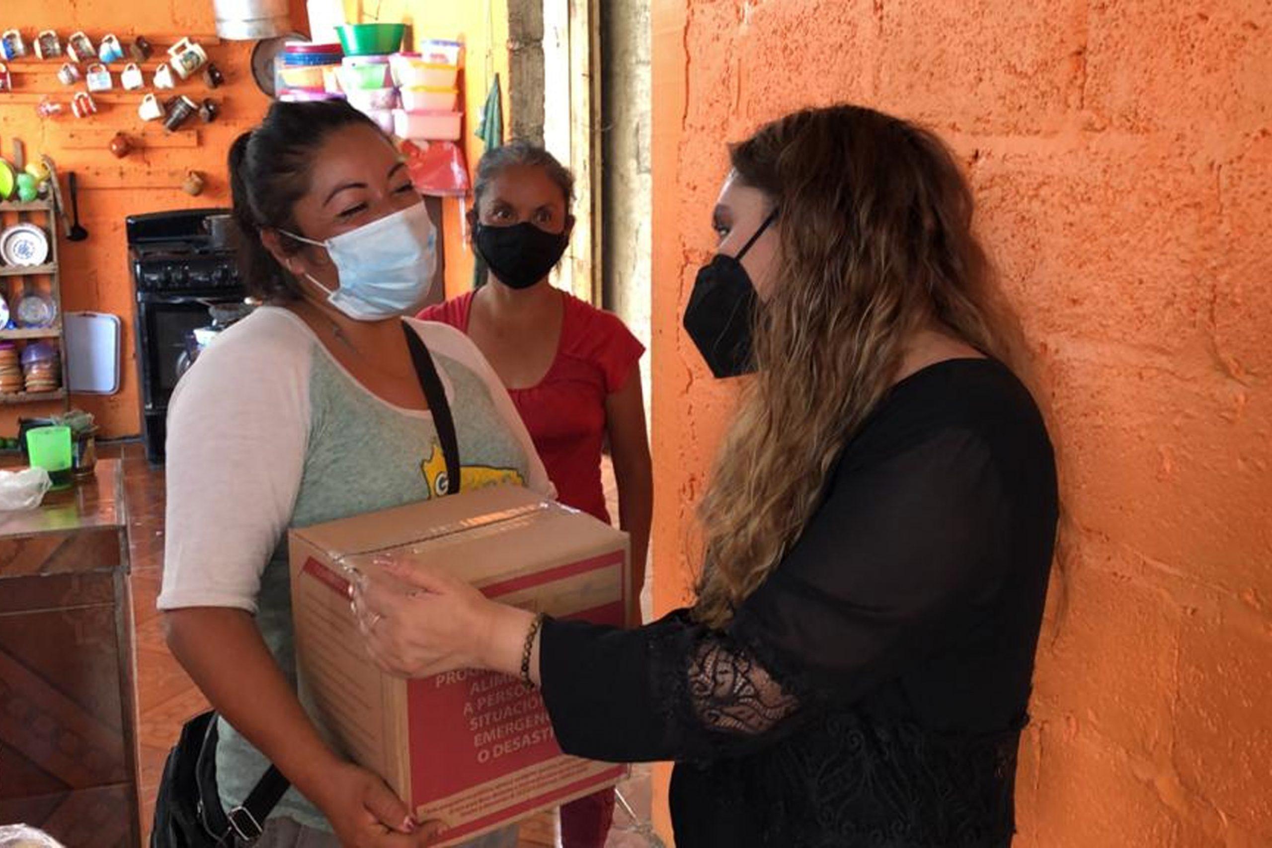 Atiende SEDIF a damnificados de Huauchinango, Naupan y Tlacuilotepec