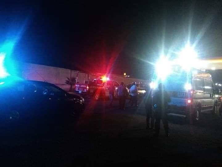 Policías municipales y taxistas frustran robo de vehículo en Amozoc