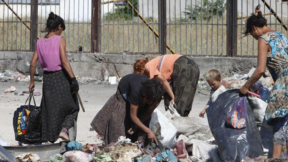 Los pueblos romaníes o gitanos no deben convertirse en chivos expiatorios de los políticos, asegura un relator de la ONU