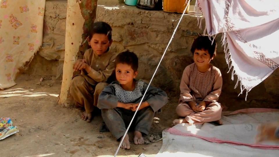 Un millón de niños afganos sufrirá desnutrición severa, alerta la Unicef