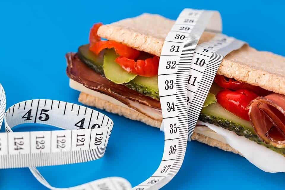Académica IBERO realiza estudio sobre obesidad en personas adultas mayores