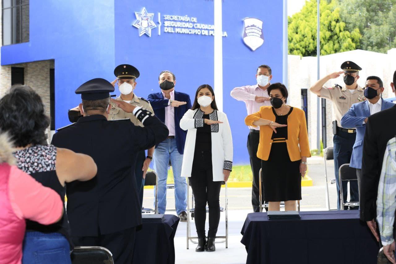 Ayuntamiento de Puebla reconoce labor de elementos policiales en su día