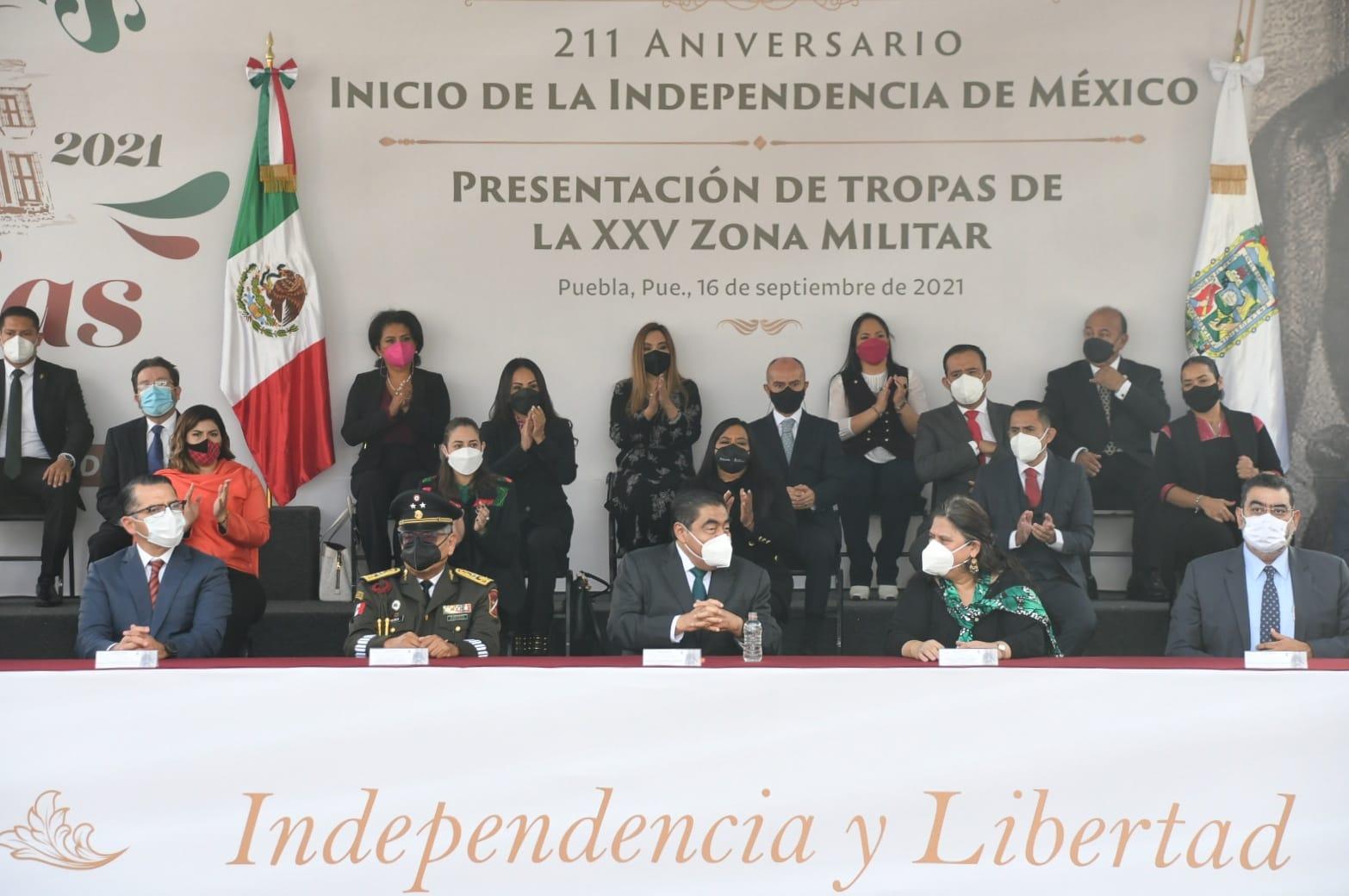 Poder Judicial de Puebla presente en Desfile Cívico Militar con motivo del Aniversario del Inicio de la Independencia