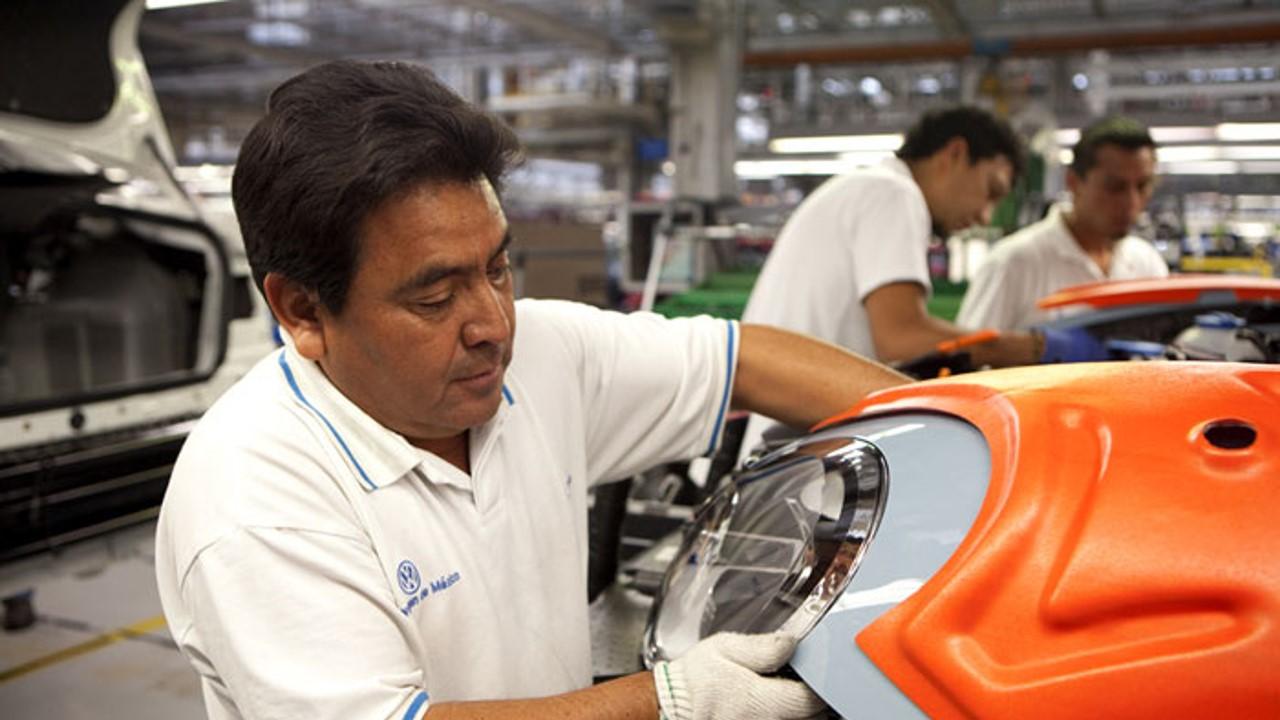 El Índice Global de Productividad Laboral de la Economía (IGPLE) con base en horas trabajadas descendió 1.3%