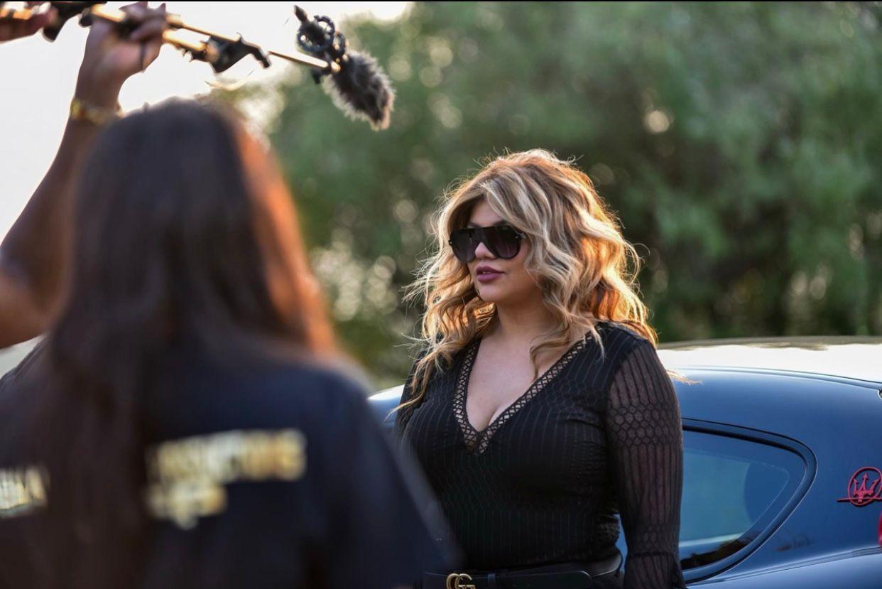 """La cantante y actriz mexicana Christi Lux protagoniza la teleserie """"Vid Chronicle"""""""
