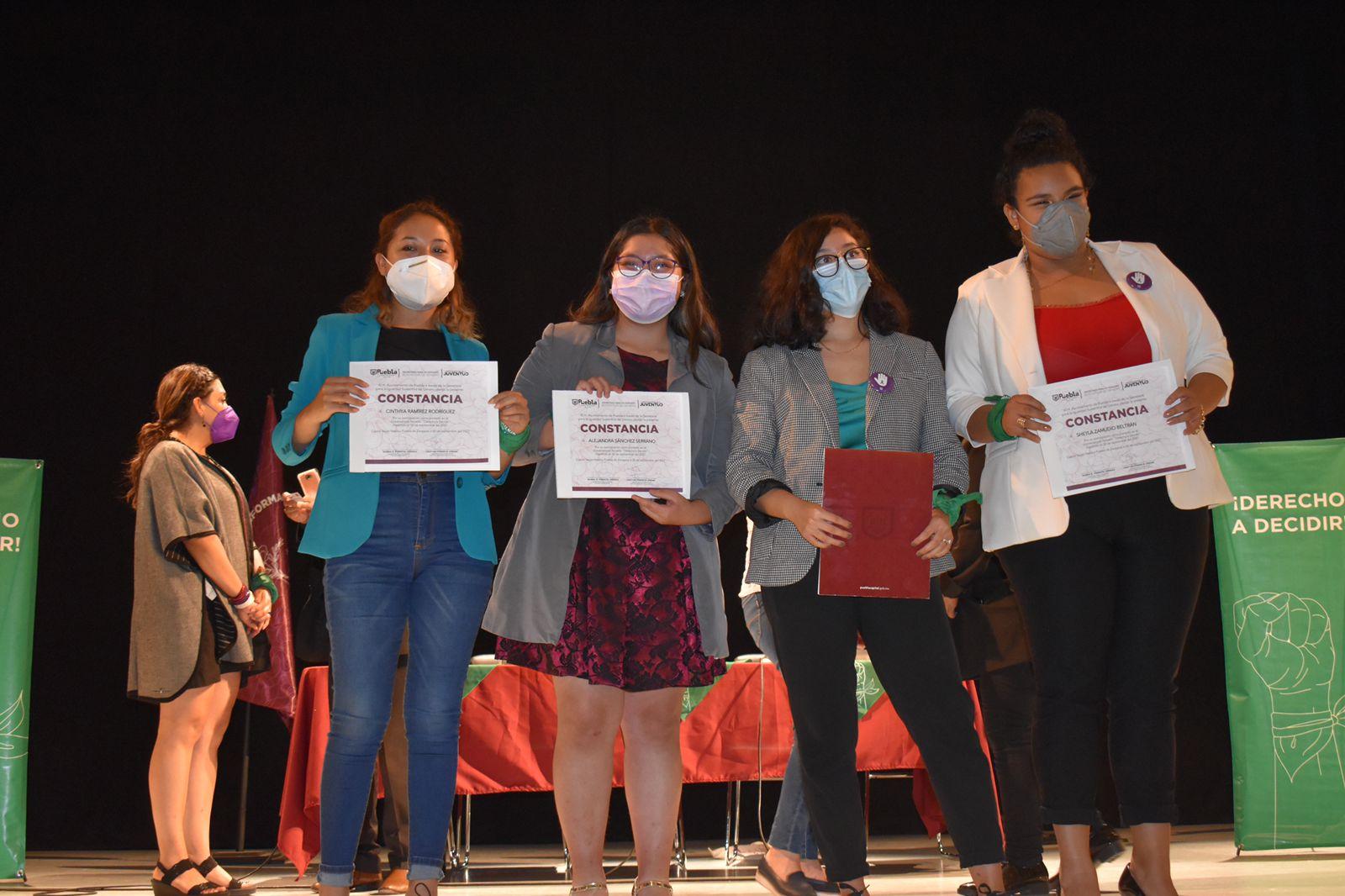 Ayuntamiento de Puebla realiza conversatorio con organizaciones feministas