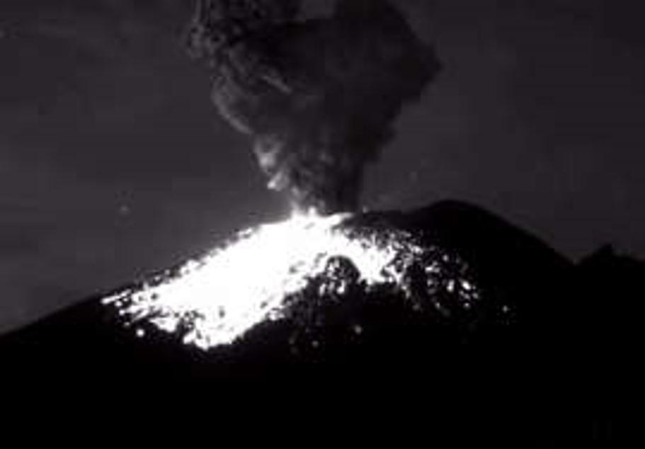 Reportan otra explosión en el Popocatépetl; es la quinta en 12 horas