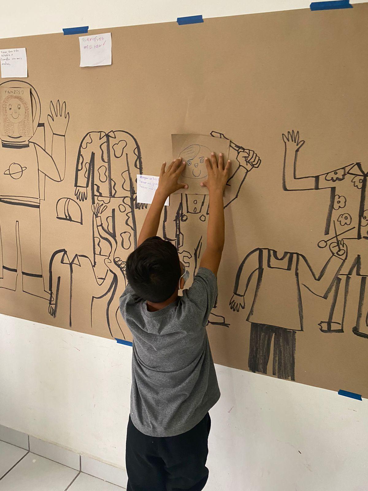 La caricatura toma las calles de Ciudad de Juárez para visibilizar la problemática migrante