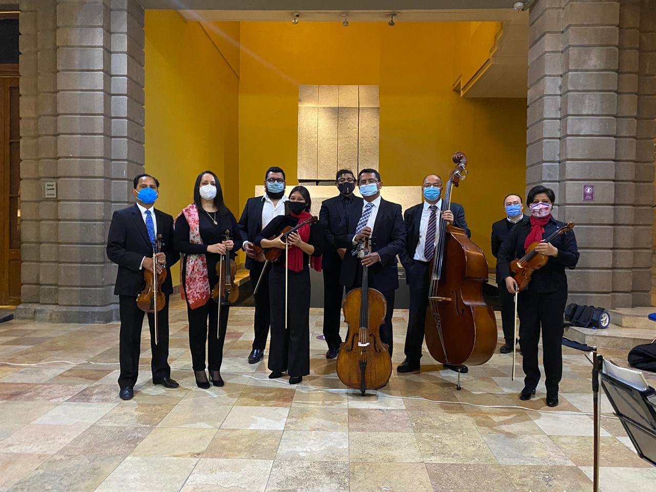 Obras conmemorativas del mes de septiembre, interpretadas por la Camerata de San Luis