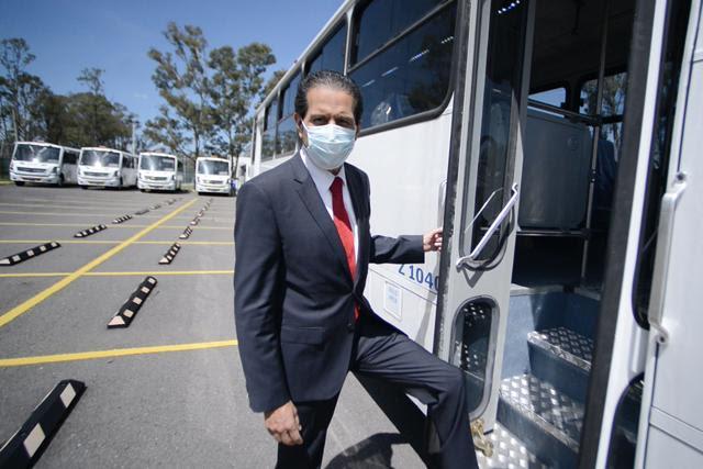 Entrega el Rector Alfonso Esparza 15 unidades de transporte para prácticas profesionales