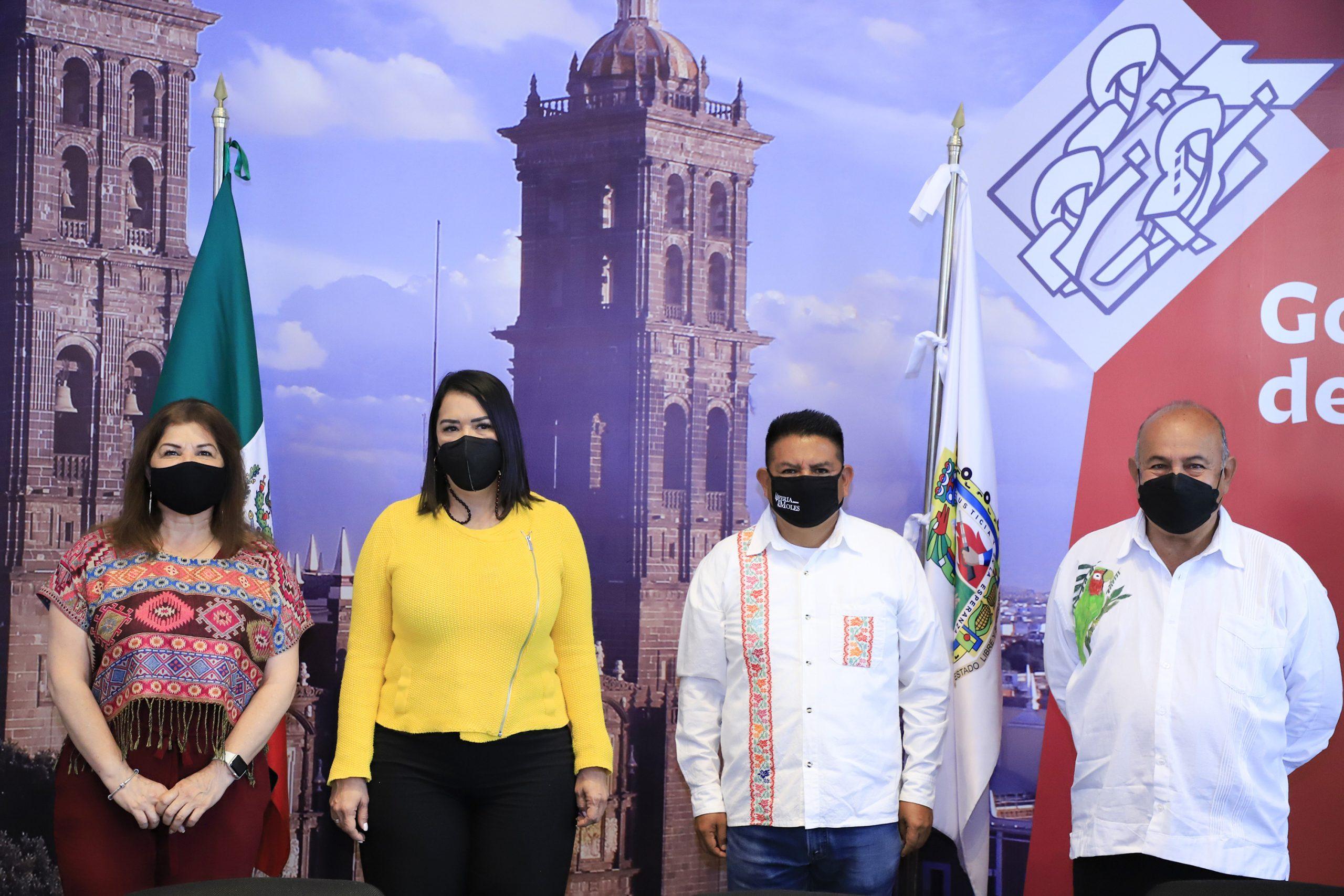 Presenta Turismo Feria de los Moles en Puebla