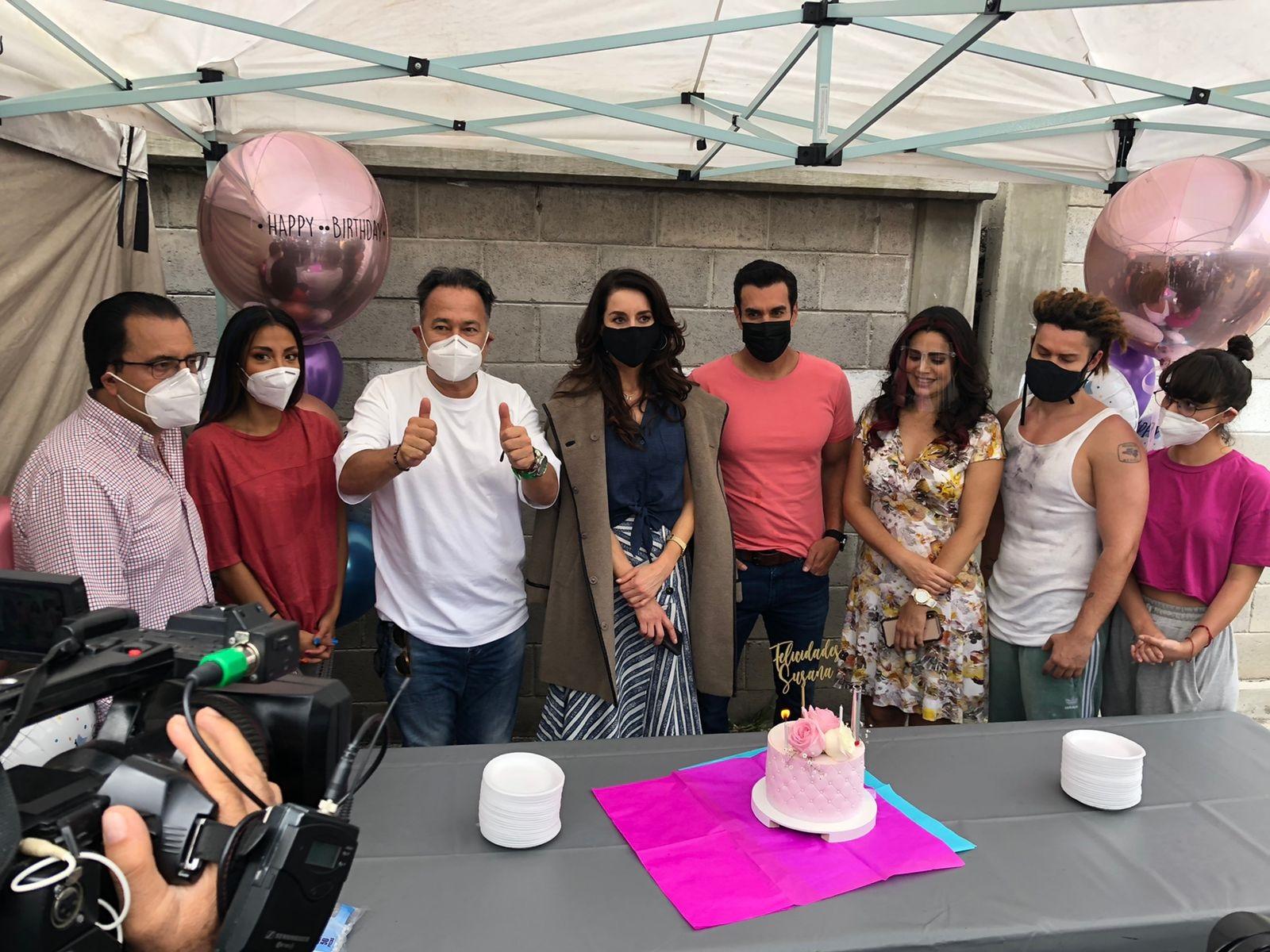 """Producción y elenco de """"Mi fortuna es amarte"""" le festejan su cumpleaños a Susana González"""