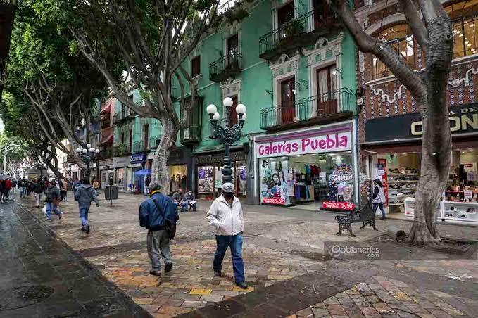 Video desde Puebla: Ya no se permitirán ambulantes en la calle 5 de mayo, indicó Jorge Cruz