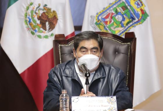 Gobernador Barbosa criticó la llegada de Enrique Doger a Morena y pidió al consejo del partido analizar el caso