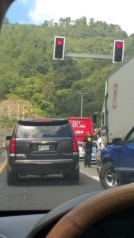 Hombre muere atropellado en la México-Tuxpan