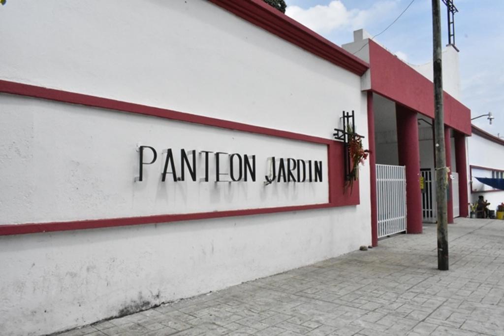 """Panteones de Tapachula preparados para Todos Santos; """"borrón y cuenta nueva"""" aplica para perpetuidades y otros servicios"""