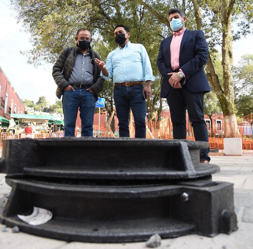 Ayuntamiento de Tlaxcala sustituye brocales y tapas de hierro por polietileno de alta resistencia