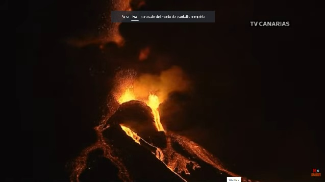 Volcán de La Palma  Cuatro bocas y dos coladas de lava que van muy fluidas