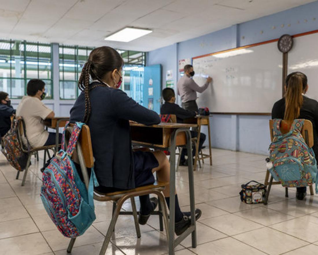 Las escuelas de América Latina deben reanudar un 100% sus clases presenciales de inmediato: Cepal